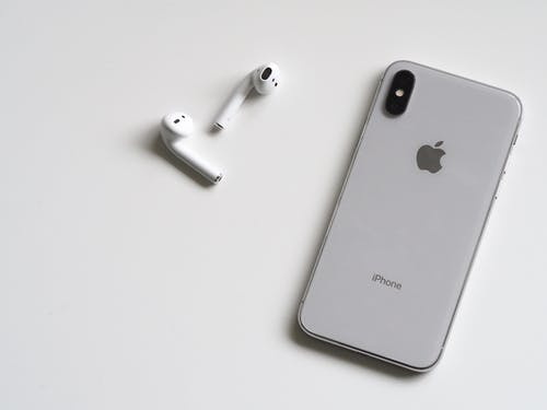 Doing business with wholesale iPhone parts suppliers